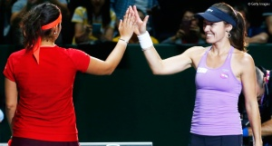 Martina Hingis and Sania Mirza through to tomorrow's doubles final