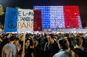 Tel Aviv Stands with Paris