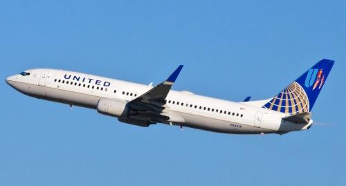 United_Airlines_-_N14219_-_Flickr_-_skinnylawyer_1